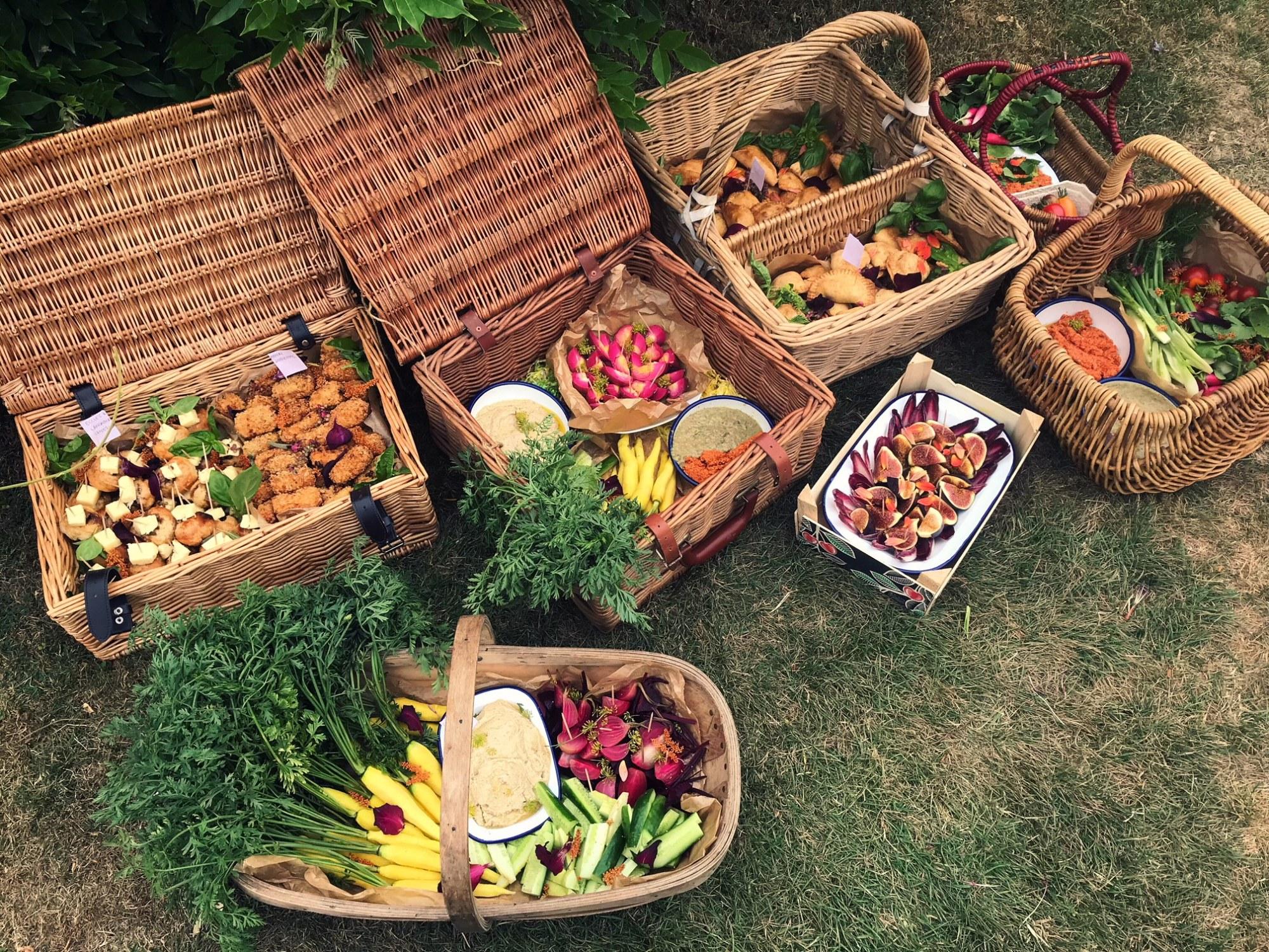 summer, wedding, feast, picnic, organic, vegetables, vegan, croquettes, empanadas, outdoor,